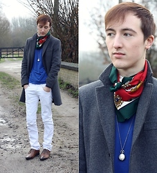 Gareth Vanderstraeten - United Colors Of Benetton Long Coat, Zara White Trousers, Asos Tie Dye Shoes, H&M Basic Blue T Shirt, From Grandmother Vintage Scarf, Asos Pocket Watch Necklace - Back in time