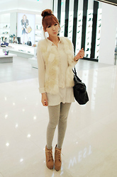 Yoo Hanseon - Jeffrey Campbell Lace Ups, Zara White Fur Vest - November,Timessquare