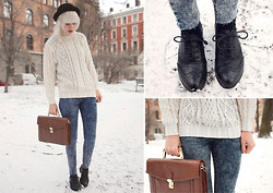 Therese Ahlström - Sweater, Urban Outfitters Leather Satchel, Cheap Monday Jeans, Deichmann Shoes - CASUAL MONDAY