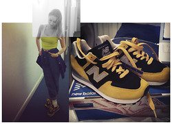 Abby OW - Nyc Flagship Store Limited Edition New Balance 574 - New Generation spice girl just got back from the gym