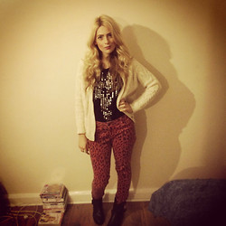 Amber C - Vintage Cardigan, New Look Jeans, Topshop Top, Miss Selfridge Boots - Red leopard!
