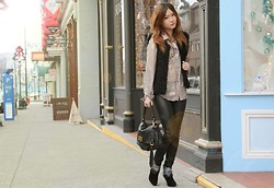 Pop Champagne - Marc By Jacobs Cross Body Bag, Bcbg Tights, Isabel Marant Booties - No Snow, No Jacket