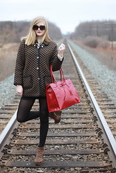 Sydney Hoffman - Wu Ge, Elizabeth Arden, Jacob, Material Girl, Thrift Store - Travelling on the Wrong Track