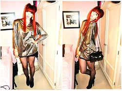 Chloë Carter - Vintage Silver And Black 80s Top, Vintage Silver And Gold 80s Earrings, Topshop Skirt, Charity Shop Bag, Miss Selfridge Ankle Boots - She'll Rob You For Your Silver and Gold