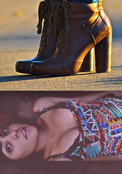 Brenda Presley - Nine West Brown Boots - Siete Febrero