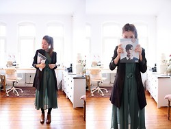 Anna K. - Carin Wester Dress, Cut Magazine, Paul Green Chelsea Boots - Clothes and Paperwork.