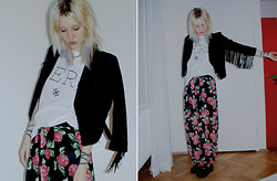 C V - Weekday Jacket, Ebay T, Old Skirt, Vagabond Boots, H&M Collar - Zero [&below]