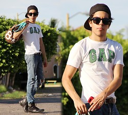 Ivam Kent - Gap T Shirt, Ray Ban Sun Glasses, Billabong Cap, Topman Trousers, Topman Boots, Converse Bag - I miss Mexico :c