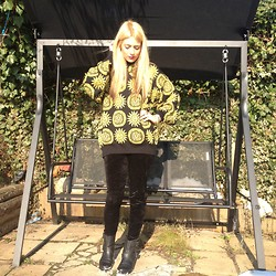 Amber C - Versace Vintage, New Look Velvet Leggings, Miss Selfridge Boots - Versace print.