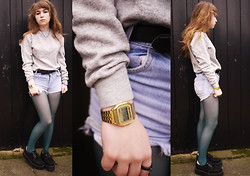 Alice B - Creepers, Casio Gold Watch, Levi's® Vintage Shorts, Vintage Sweater, American Apparel Green Tights - Sweat Drips Off The Wall Onto My Shoulder