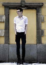 Adam Ehlert - H&M White Shirt, Red Suspenders, Cheap Monday Black Jeans - Think or swim