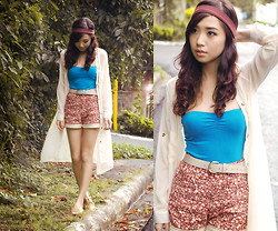 Kryz Uy - Closet Goddess Sheer Cardigan, The Stylogist Floral Shorts, Soleil Sequinned Flats - Meet you in Wonderland