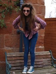 Jessica Shelley - Topshop I Love This Shirt, Jack Wills Blue Skinny Jeans, Converse High Tops, Primark Shades, Topshop T Shirt - It was like James Dean for sure.