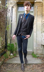 Oscar Robertson - Topman Black Skinny Blazer, Hudson Brown Leather Boots, Blue Banana Black Skinny Jeans, Peacock Coloured Shirt, H&M Grey Waist Coat - MAN OF PEACOCK'S