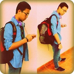 Michael Bangun - Wwjd Acc, Dr.Dre Headset, Billabong Bag, Fred Perry Shoes, Nail Shirt - The passion of student
