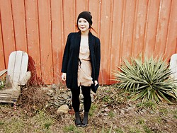 Jjanga Horne - Obey Black Beanie, Unknown Green Oversized Cardigan, Mossino Pink Tulle Dress, Mossino Black Knit Tights, Mossino Grey Ruched Socks, Crocs Black Ballet Flats - Where the red barns grow