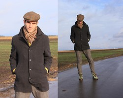 Szilard Brasnyo - Hummel Sneakers, H&M Pants, Vintage Scarf, Kangol Cap - To love and to be loved