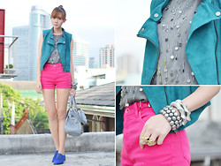 Camille Co - Cps Chaps Shorts, Sm Accessories Bracelets, Girls Are Weird Ring - Hypercolor