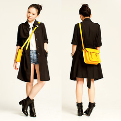 Yuki Lo - Bread N Butter Coat, Jipijapa Boots, Cambridge Satchel Company Bag - Never going to be alright