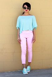Olivia Lopez - Pink Cropped Top, Topshop Jeans, Super Lucia Sunglasses - Colorblocking in Converse