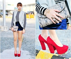Kookie B. - Sm Accessories Stone Ring, Feet For A Queen Red Platform Pumps - Velvety Blue