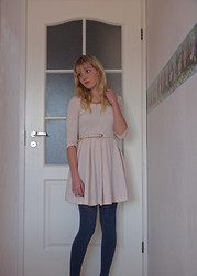 Meri - - H&M Dress, H&M Necklace, Gina Tricot Tights - I've been on a holiday