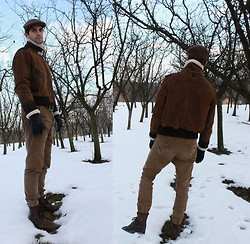 Szilard Brasnyo - Bershka Pants, Brown Leather Aviator Jacket, Kangol Cap, Brown Leather Boots - Right foot's hopes