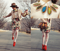 Shan Shan - Tinytoaddstool Leaf Necklace, Faryl Robin Shoes - Floral with leaf