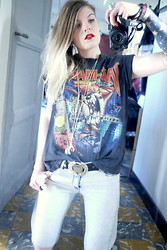 Fanny † Dead Can Wear - Boyfriend Tees, H&M Pants - Taz Mania