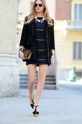 Chiara Ferragni - Mango Coat, Yves Saint Laurent Sandals - Bare legs