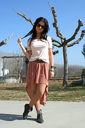 Fasionable Room By Maria - Terranova T Shirt, Forever 21 Skirt, Diy Booties, Vintage Belt, Ray Ban Sunglasses, Diy Bracelets - 01032012