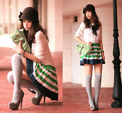 Mayo Wo - Laurustinus Cloche Hat, Becky Bloomwood's Wardrobe Peter Pan Collar Blouse, Red Valentino Apple Green Bow Purse, Romwe Striped Skirt, Sugarfree Shoes Grey Pumps With Little Bows - Xoxo