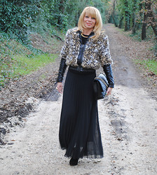 Francesca Romana C - Barneys Jacket, Asos Maxiskirt, Chanel Jumbo - Into The Woods