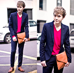 Dake Hu - Zara Sweater, So Nice Blazer, So Nice Pants, Uniqlo Belt, Vanger Shoes, No Brand Clutch Bag - Bright
