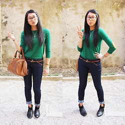 Janine D. - Zara Green Sweater, H&M Brown Bag, Beskha Dark Jeans, Zara Black Boots - Spring is coming!