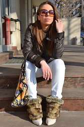 Titina M. - Bershka Jacket, C&A Sweater, Stradivarius Jeans, Eden Shoes Boots, Replay Bag - Almost white jeans