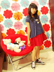 Evelyn Tirza - Chic Simple Polkadots Top, Gowigasa Hot Red, Gaudi Flowery Necklace, White Bracellets - Forever Young