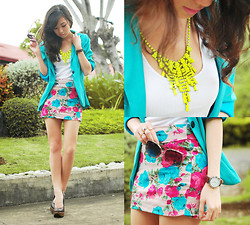 Kryz Uy - Clothes Off Teal Blazer, Extreme Finds Neon Necklace, Windsor Floral Mini, Sugarfree Brown Pumps - Spring on my skirt