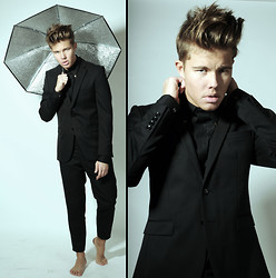 Andreas Wijk - Zara Suit, Versace Shirt - My answer is you.