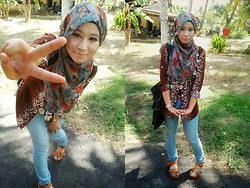Fha Azmi - Leopard Long Shirt, Tan Wedges, Vintage Flowery Scarf, Chicabooti Acid Washed Jeans, Marikai Studded Bag - You're my Tarzan, I'm your Jane