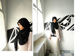 Aishah Amin. - Topshop Tunic, Diva Necklace, Cream Skirt - Plain Jane