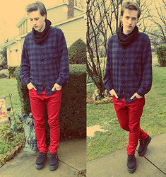 Tim Roddy - Asos Snood, Vintage Flannel, H&M Red Jeans, Creepers Shoes - 1,001 Routes