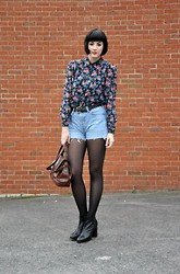Maggie Matic - Floral Blouse, Raiders Vintage Denim Shorts, Raiders Vintage Heeled Chelsea Boots - Spring has sprung.