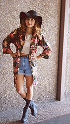 Renee Jane - Charlotte Russe Brown Hat, Ropa Usada Floral Robe, Goodwill Lace Blouse, Goodwill Denim Shorts, Charcoal Wedges - True Love Will Find You In The End