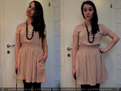Fräulein Wunder - H&M Dress, Takko Wooden Necklace - Make this dream the best I've ever known