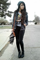 KENDALL SANCHÈZ - Jacket, Shirt, Fox Tail, Forever 21 Pants, Forever 21 Shoes - .Too many chiefs.