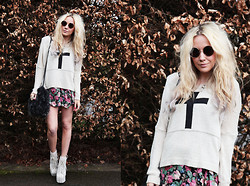 Penelope Sarah - Love Cross Jumper, Primark Flower Dress, Jeffrey Campbell Crochet Litas, H&M Sunglasses - Here comes the sun