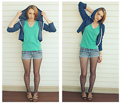 Clove Bud - Threads4thought Cropped Hoodie, Nollie Mint Vneck, Bongo Cutoff Shorts, Soda Shoes - Can I Kick It?