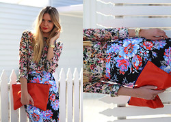 Jessica Stein - Asos Floral Pencil Skirt, American Apparel Clutch, Zara Floral Blouse - Flora