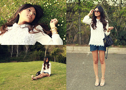 Megan Rose - Daisy Crochet Top, Levi's® Cutoffs - Daisies.